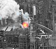 Refinery_fire